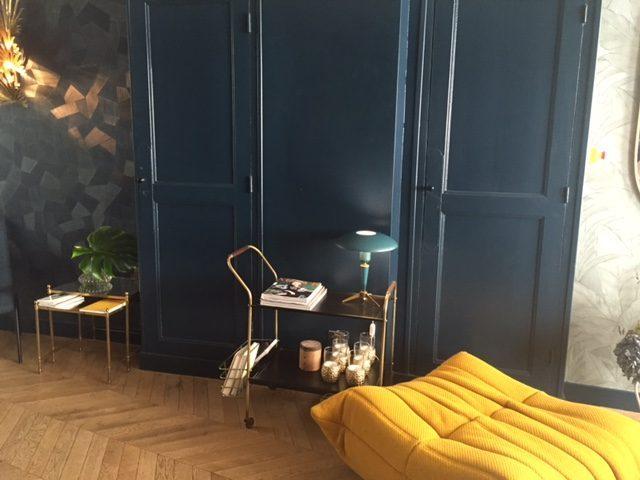 Hôtel henriette, bleu canard et moutarde
