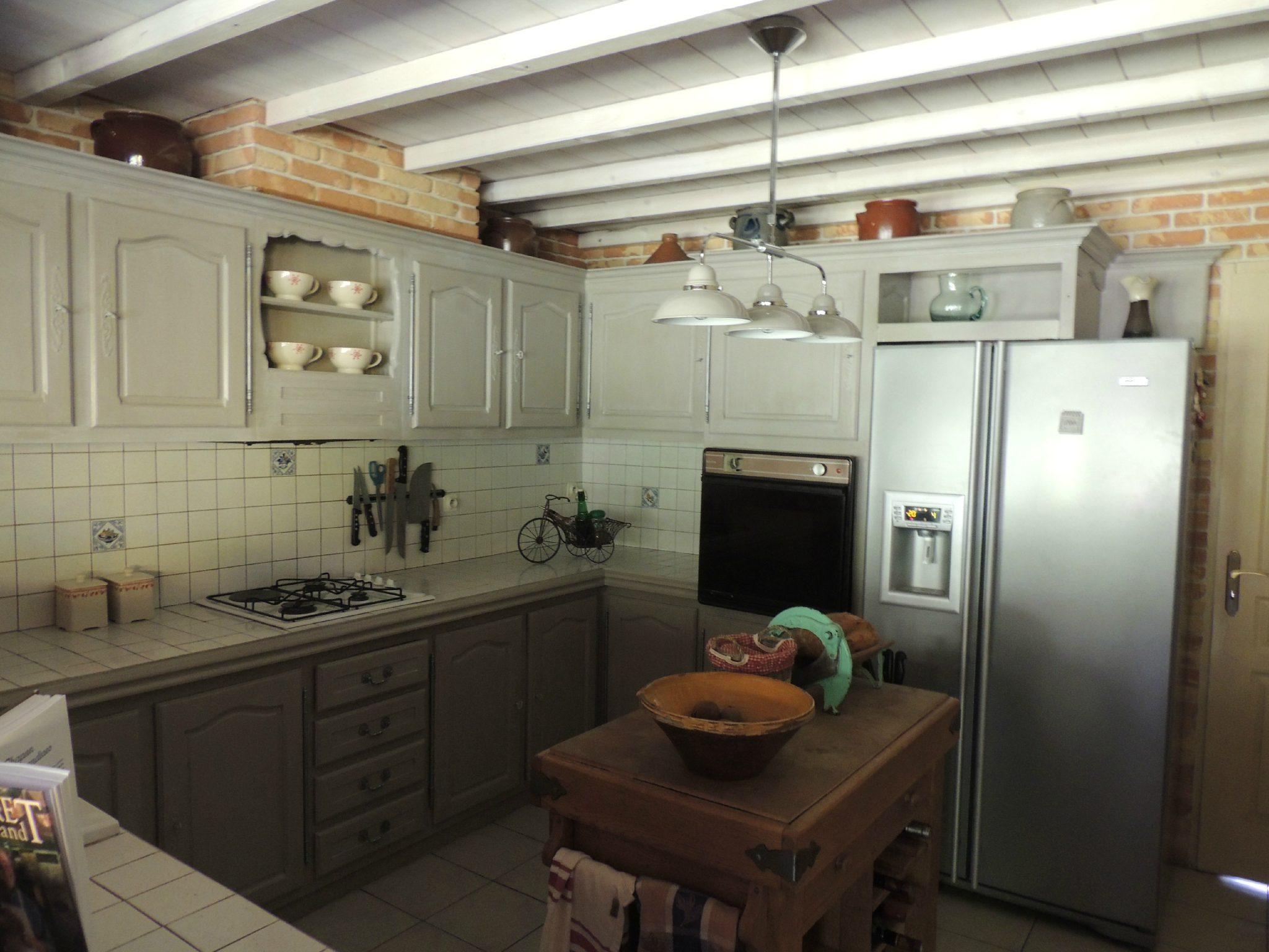 cuisine rustique repeinte en gris